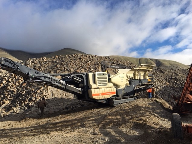A Metso LT106 crushing material in an Oregon pit