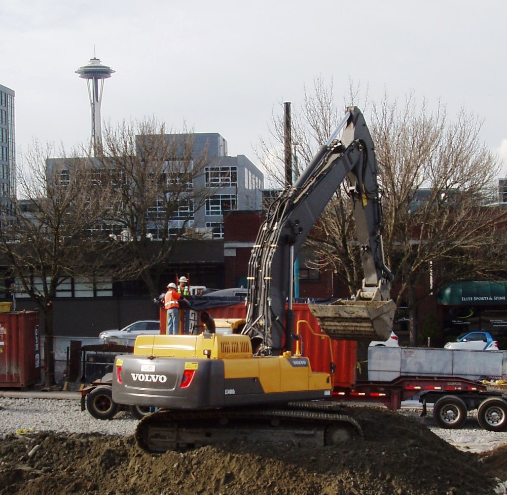 An EC480DL working in the shadow of the Space Needle